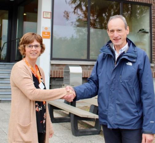 Laurent Heyman met de directeur van het Heydehof