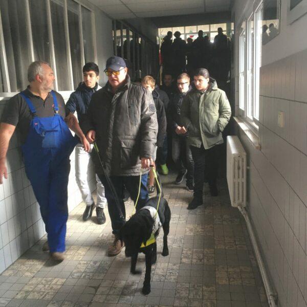 Het-Belgisch-Centrum-voor-Geleidehonden-BCG-was-op-bezoek-6-e1575887186925-878x1170
